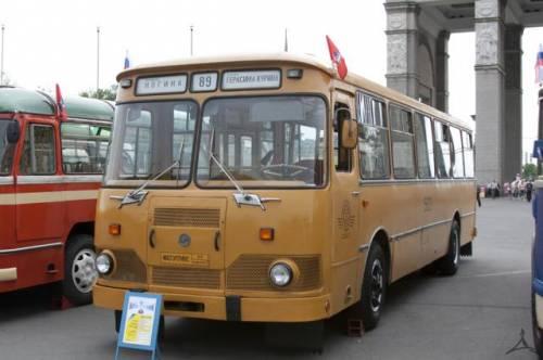 Автобусы ЛиАЗ.